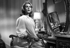 Elizabeth-Montgomery-past-and-present-hollywood-pregnancy-photolist.jpg