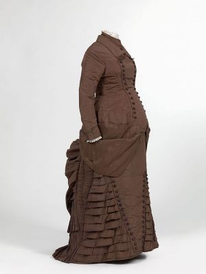 Historical 19th century maternity style - Maternity dress ca1880.jpg