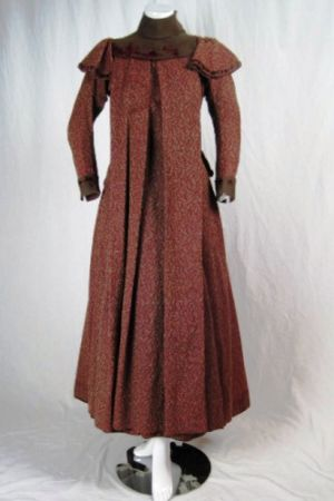 Maternity day dress 1880s-90.jpg