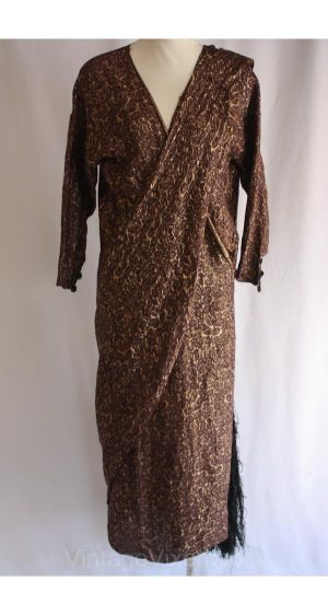 Maternity in the 1920s - Fortuny vintage dress.jpg
