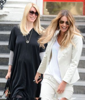 Claudia Schiffer And Elle Macpherson Do The School Run!