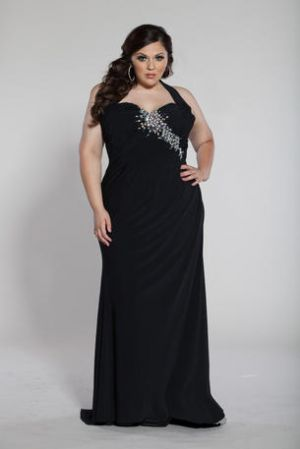 Plus size cocktail and evening dresses - Sydneys Closet Plus Size Prom Dress.jpg