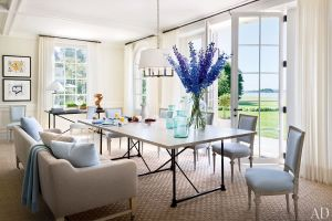 Louise and Vince Camuto Hamptons house casual dining