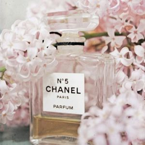 Floral fancy - mylusciouslife.com - Chanel perfume bottle.jpg