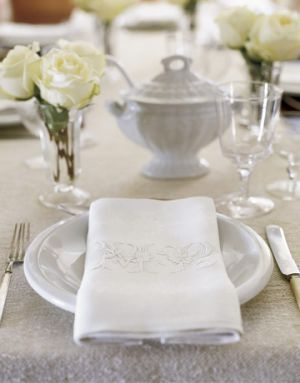 Floral fancy - mylusciouslife.com - White Table Setting with roses.jpg