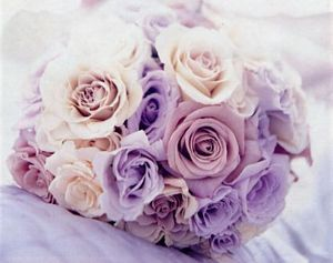 Photos of floral design - Use floral to bring in colour - purple wedding flowers.jpg