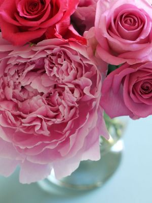 Photos of floral fashion and decor - Vase of pink peonies and roses.jpg