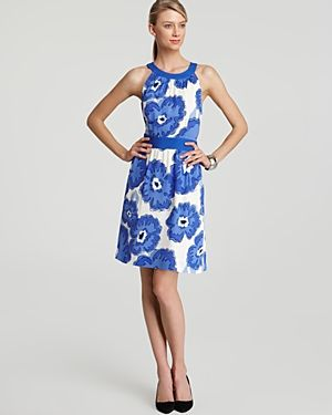 Photos of flowers - Floral in fashion - Vineyard Vines Pop Floral Dress.jpg