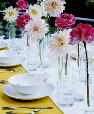 Pictures of floral - Martha Stewart - centrepiece of dahlias and garden roses.jpg