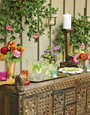 Pictures of flowers - Countryliving.com - Summer Table Settings - Pretty Buffet.jpg