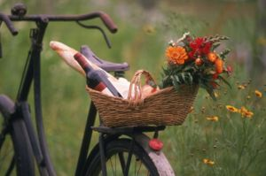 Picnic basket on bicycle.jpg