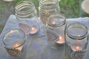 Picnic decorating - Candles in mason jars.jpg