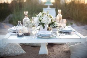 Picnic dinner - beach table setting style me pretty.jpg