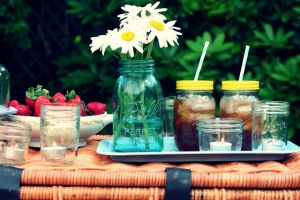 Picnic drink ideas - date night table.jpg