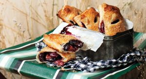 Picnic pictures - cherry-pie-Easy picnic food.jpg