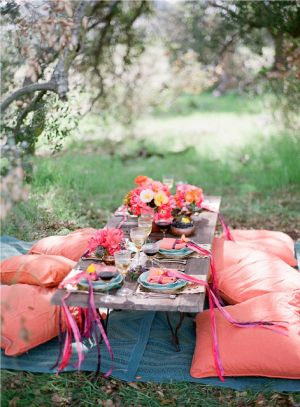 Picnic table designs - Jessica-Claire-via-Style-Me-Pretty.jpg