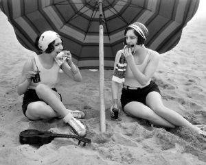 Picnik - bright young thing 1920s on the beach.jpg