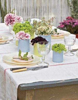 Pretty picnic table via mylusciouslife.jpg