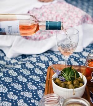 rose-olives-design-sponge-provencal-picnic-camille-styles-events.png
