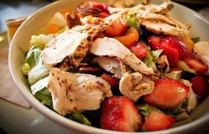 luscious pictures of food - healthy chicken salad.jpg