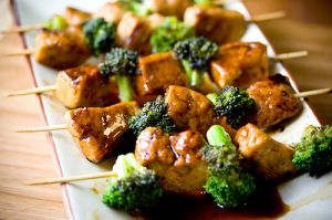 picnic food ideas - food pictures - chicken broccoli skewers.jpg