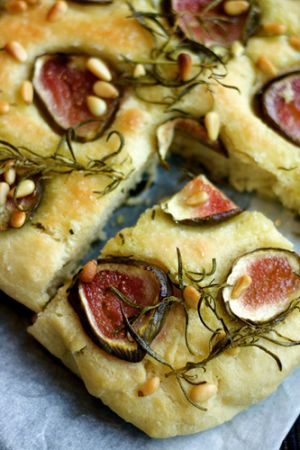 scrumptious food - photos of food - recipes ideas - Fig Focaccia.jpg