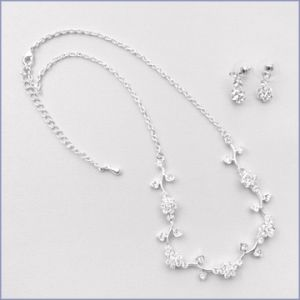 Bride on a budget - wedding list - Kate Bridal Necklace.jpg