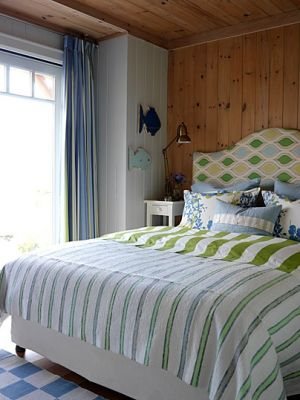 Beautiful beach houses in the world - Sarahs Cottage - West guestroom - Georgian Bay.jpg