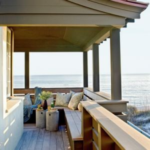 A beachy life: Beach house decor