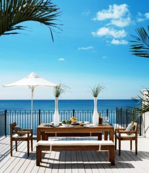 Pictures of beach cottage interiors - houseandhome.com LisaRogers_DeckDining.jpg