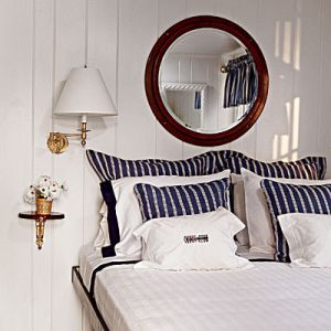Pretty beach house photos - beach homes - blue_white_nautical bedroom.jpg