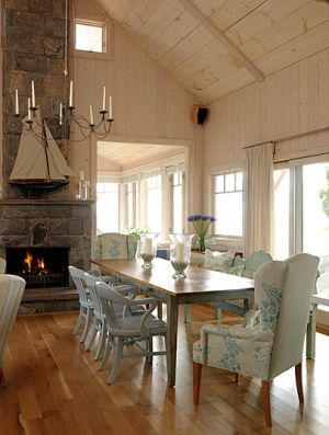 Pretty beach houses pictures - house decor blog - Sarahs Cottage - living room - Georgian Bay.JPG