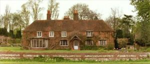 howards-end-exterior.jpg