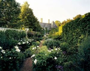 Photos - beautiful house gardens - mylusciouslife - luscious garden.jpg