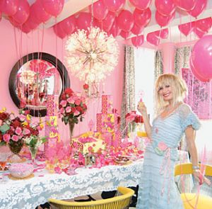 Betsey Johnson - New York apartment - perfume launch4.jpg