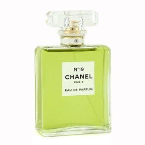 Chanel No.19 Eau De Parfum Spray.jpg