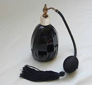 s FRENCH JET BLACK GLASS PERFUME VAPORIZER.JPG