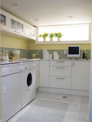 Laundry rooms and mudrooms - mylusciouslife.com - Sarah's House - season 2 - laundry