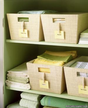 Home organisation ideas - mylusciouslife.com - declutter-martha  stewart-linen-closet ...