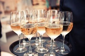 Images - Tray of champagne glasses.jpg