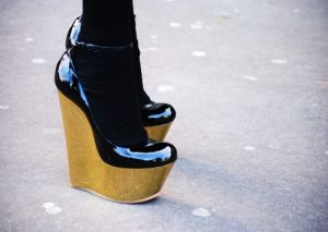 Fabulous wedges with black gloss.jpg