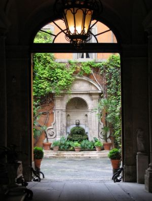 Luscious outdoor living - mylusciouslife.com - Courtyard in Italy.jpg