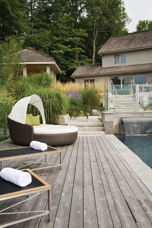 Luscious outdoor living - mylusciouslife.com - daybed-cottage.jpg