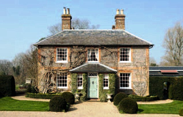 Middleton New Home In Bucklebury Berkshire Now To Visiting Grandson The Prince Of