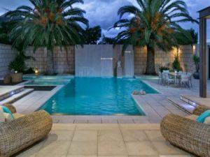 Julia Gillard - new Adelaide home - backyard.jpg