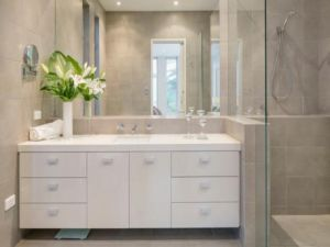 Julia Gillard - new Adelaide home - ensuite.jpg