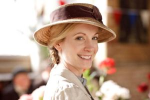 Anna the ladies maid in Downton Abbey - www.myLusciousLife.com.jpg