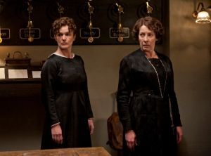 Downton Abbey - www.myLusciousLife.com - D2_Ep3_3.jpg