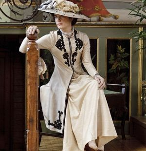 cora the countess in downton abbey - www.myLusciousLife.com.jpg