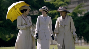 ladies strolling in downton abbey - www.myLusciousLife.com.PNG